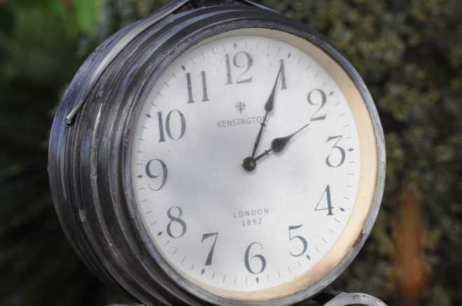 Clock_1865