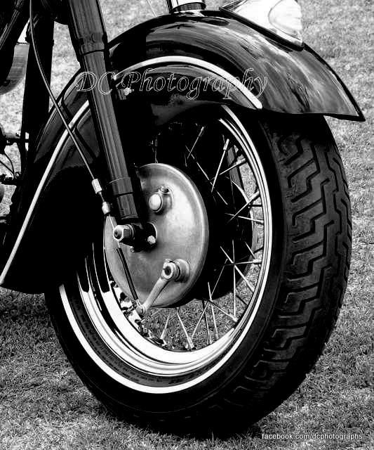 wheel_0015bw