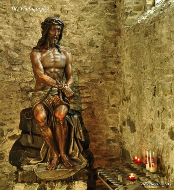 brugge-church-statue_0165